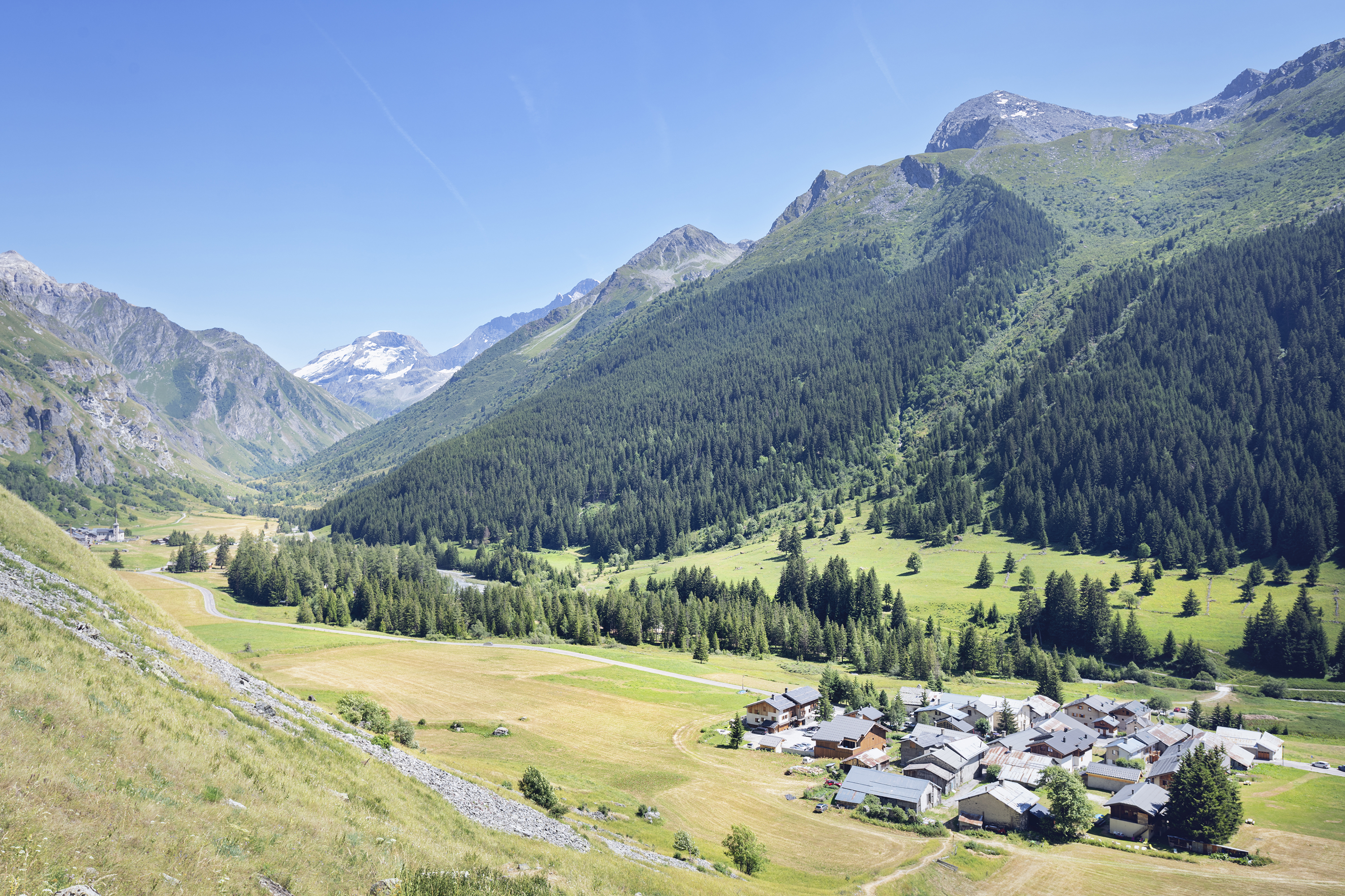 champagny_le_haut_village1-Olivier_Allamand